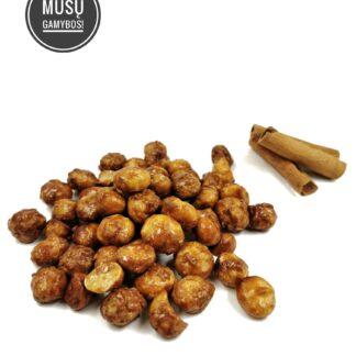 Karamelizuoti makadamijų riešutai su cinamonu