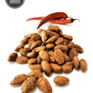 karamelizuoti migdolai aitriosios paprikos skonio